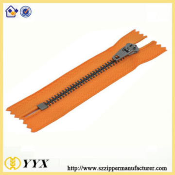 Separating two way gun color teeth metal zipper