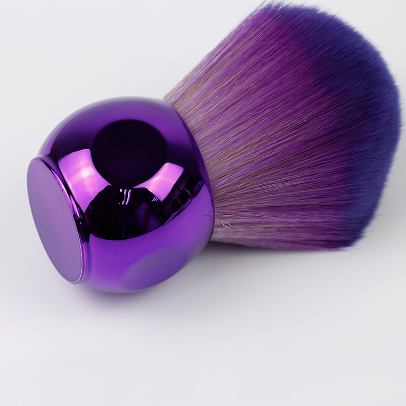Soft and Fluffy Bristles Kabuki Brush