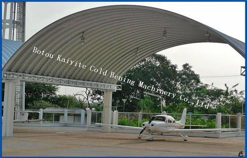 Large span roof panel machine