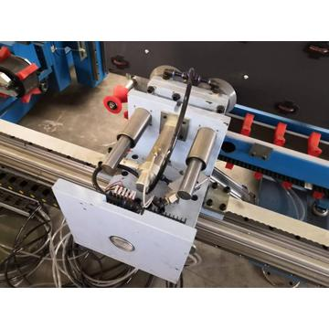 Automatic Glass Sealing Robot & Extruders