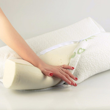 Bamboo travel wedge memory foam pillow