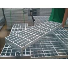 Galvanized serrated steel grating processing