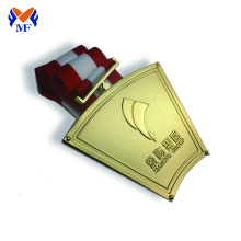Renewable Design for Basketball Medal The golden metal awards gold medal export to China Macau Suppliers