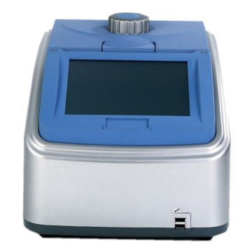 Laboratory 96 well gradient thermal cycler machine