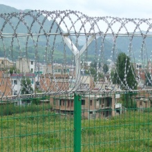 Airport fence(barbed wire and welded wire mesh)
