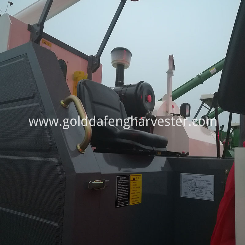 Factory derectly supply rice harvesting machine