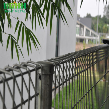 Easy Installation Welded Roll Top Fence For Wholesale