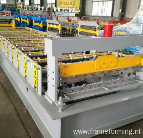 2016 new wall panel roofing sheet 840 steel sheet roll formnig machine