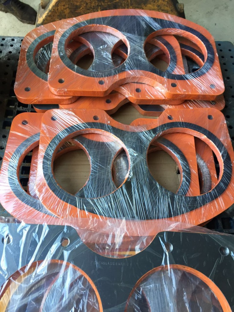 concrete pump spectacle wear plate