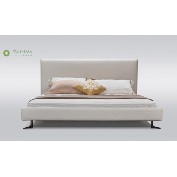 White Livingroom Bed With Metal Legs
