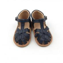 2019 Newly Design Leather Black Hot Cake Sandals