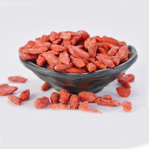 Organically Grown Goji Berries With Mixed Size
