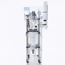 Inner heating jacketed glass reactor for extraction
