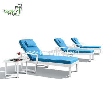 Aluminum blue cushion with white sun lounger