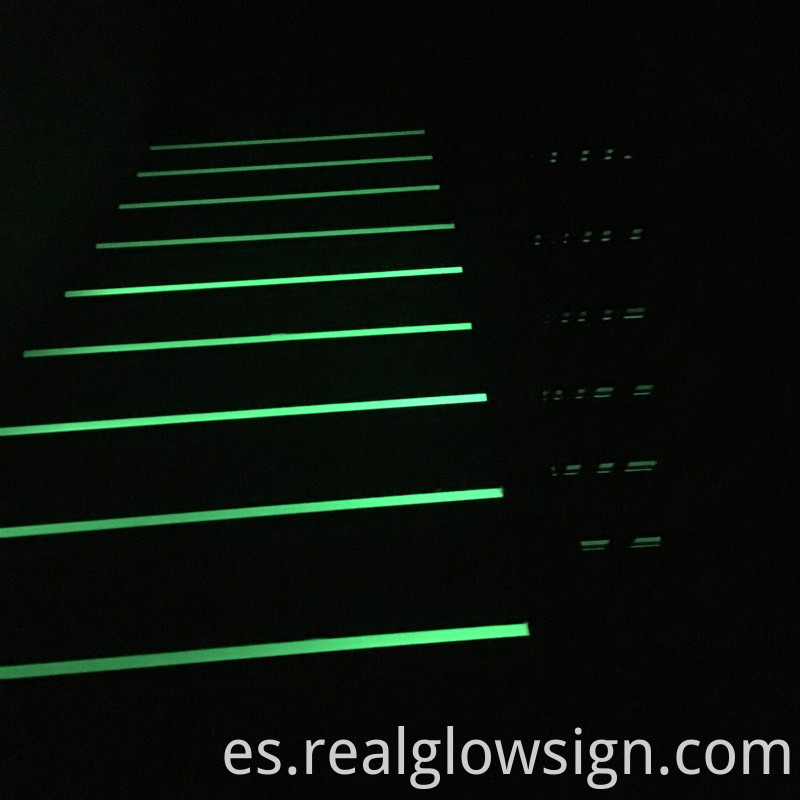 photoluminescent-stair-nosing application night color