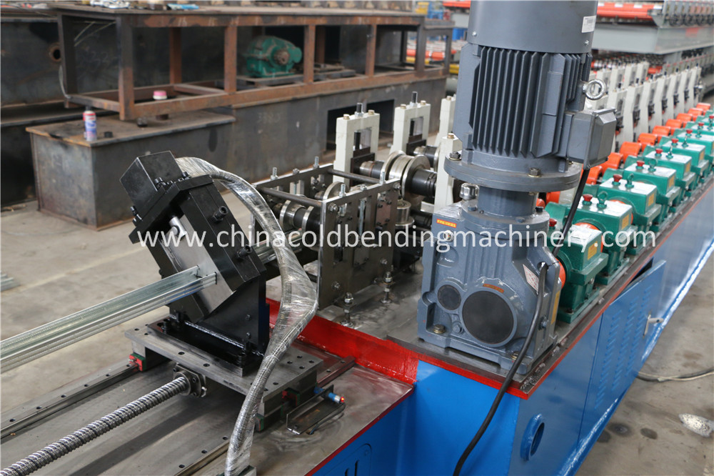 Hydraulic Cutting Of C Channel Roll Forming Machinery