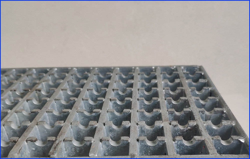 Non-Slip Safety Grating