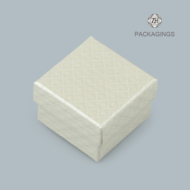 White paper cardboard necklace box with lids