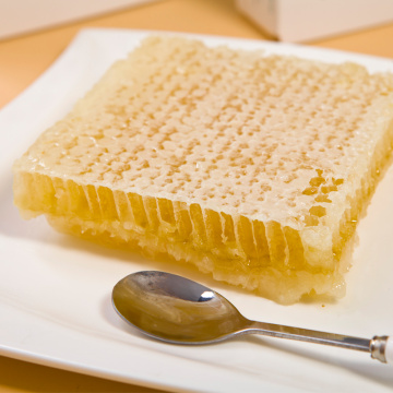 Good quality fresh pure comb honey