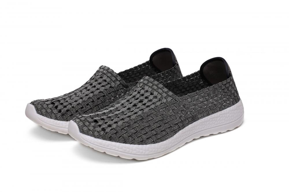 Good Texture Hand-woven Upper Hollow Shoes