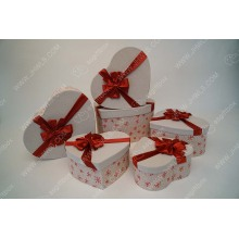 Ribbon jute heart shaped gift box