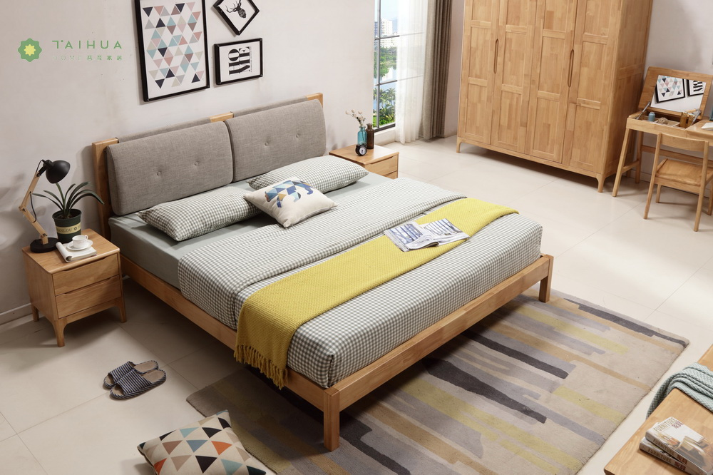 Light Solid Rubber Wood Grey Cushion Bed
