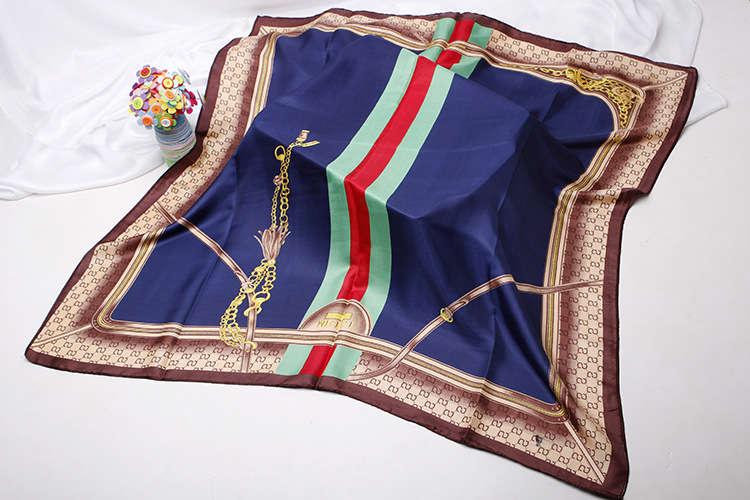 Silk scarves and scarves imitate printed silk scarves (7)