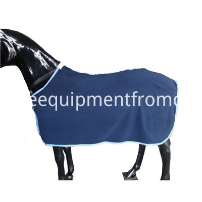 polar fleece horse rug (1)