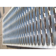 Non slip grip strut safety grating