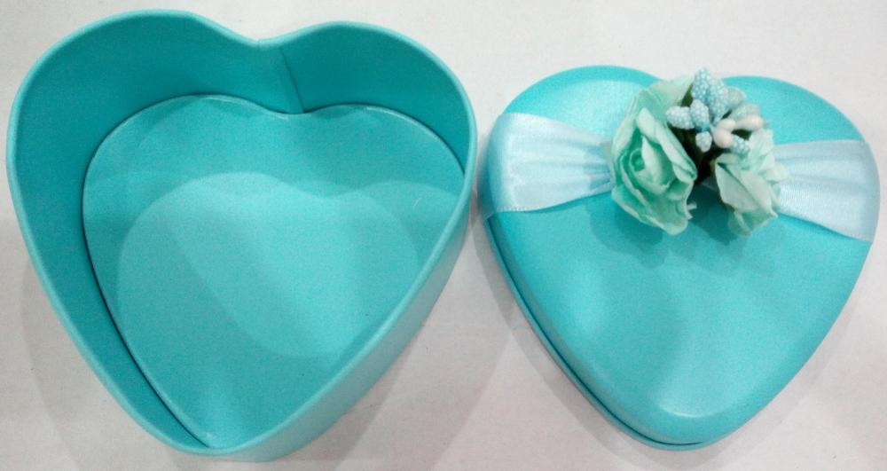 Heart Shape Candy Tin with flower decoration