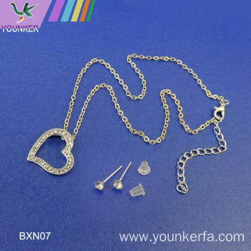 FASHION SIMPLE NECKLACE HOT-SELLING HEART SHAPE NECKLACEE