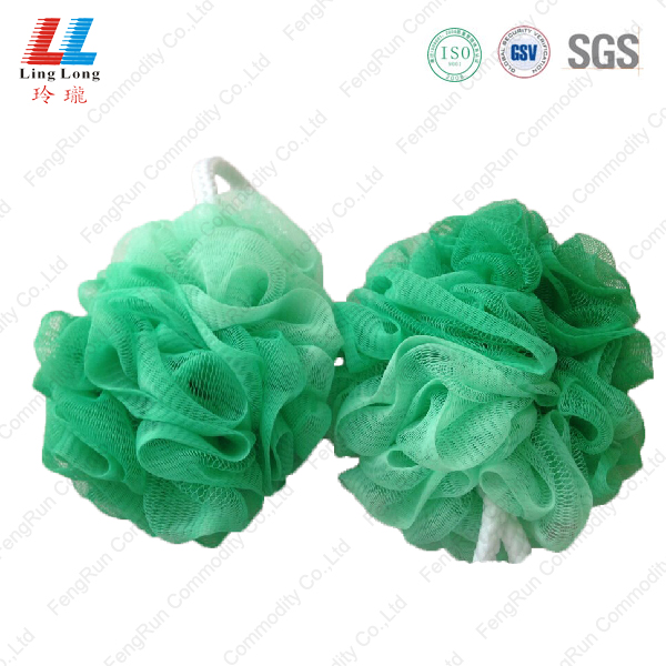 Soft gradient mesh sponge ball