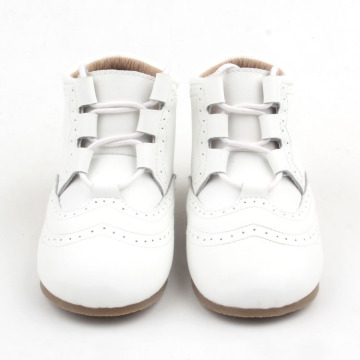 High top Line White Leather Shoes Booties