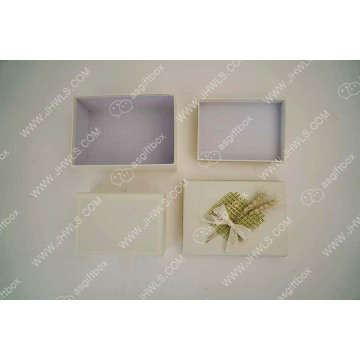 Butterfly-knotted Corn Flower Gift Box