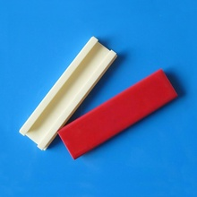 Glazed alumina ceramic plate for hair straightener