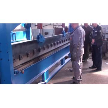 Automatic hydraulic sheet metal cutting and bending machine