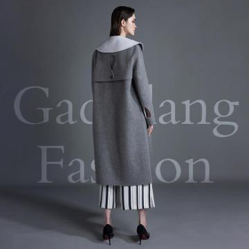 Cashmere coat with lapel design