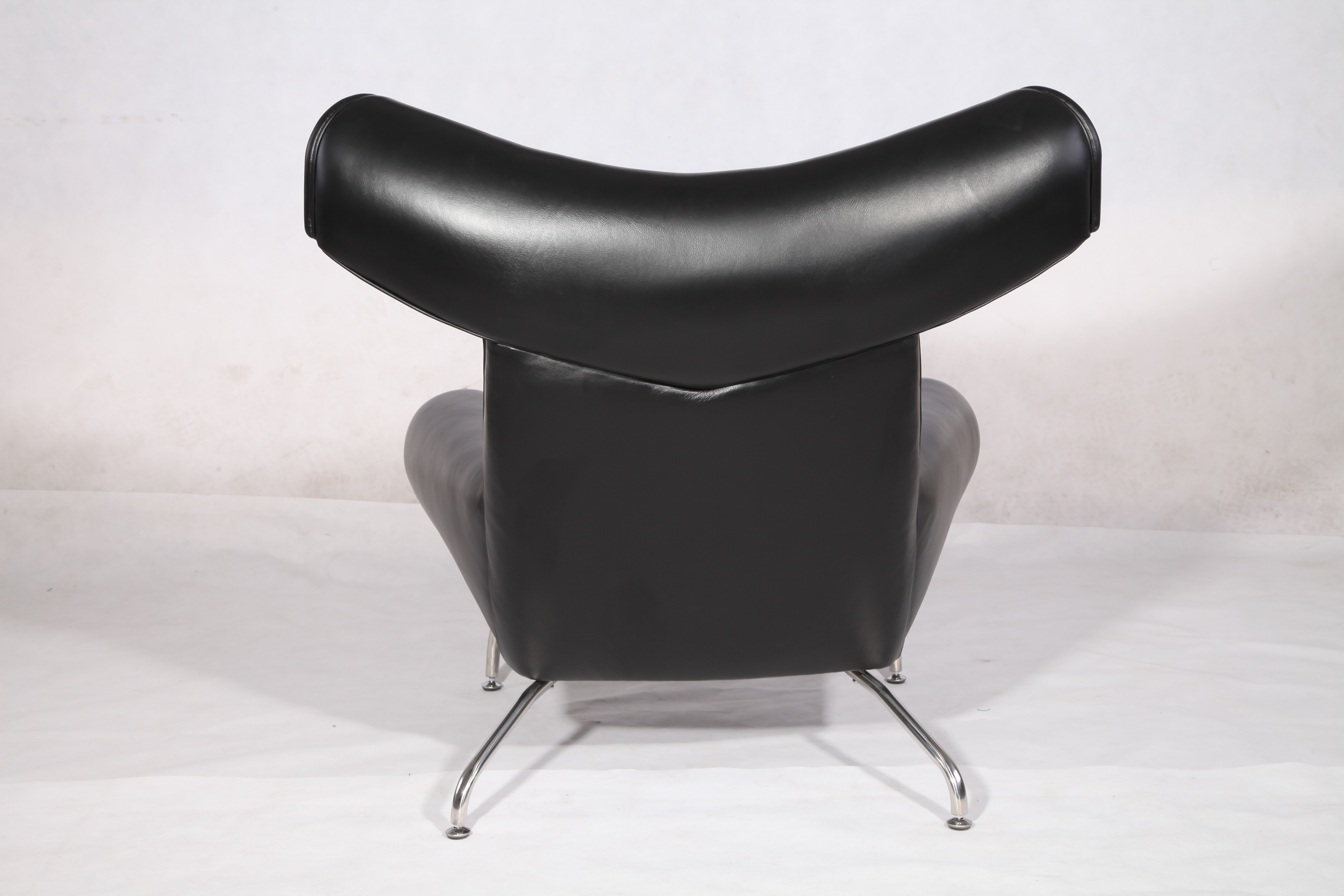 Hans wegner OX leather lounge chair