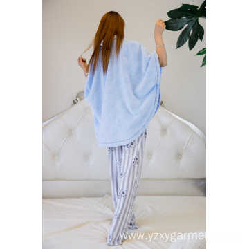 Skyblue flannel short poncho with bottons