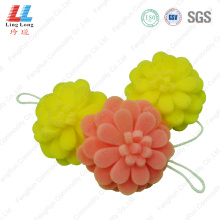 Flower fizzy bath sponge