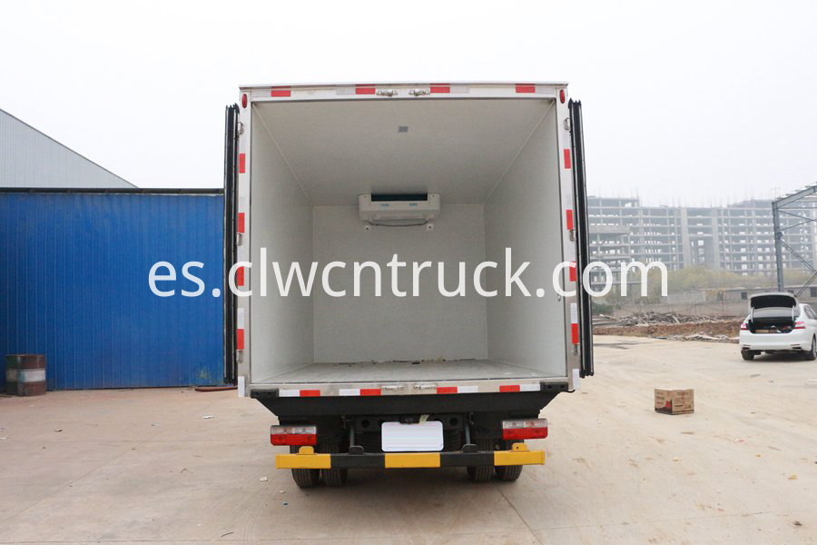 truck with refrigerator 5