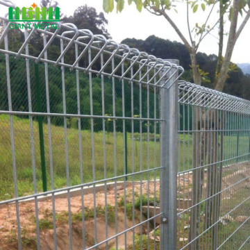 white color Hot Dipped Galvanised BRC Fence