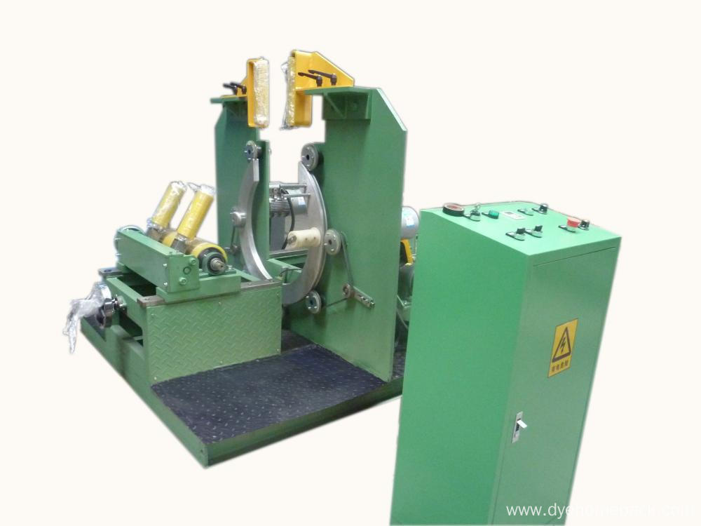 Vertical wrapping machine with turntable