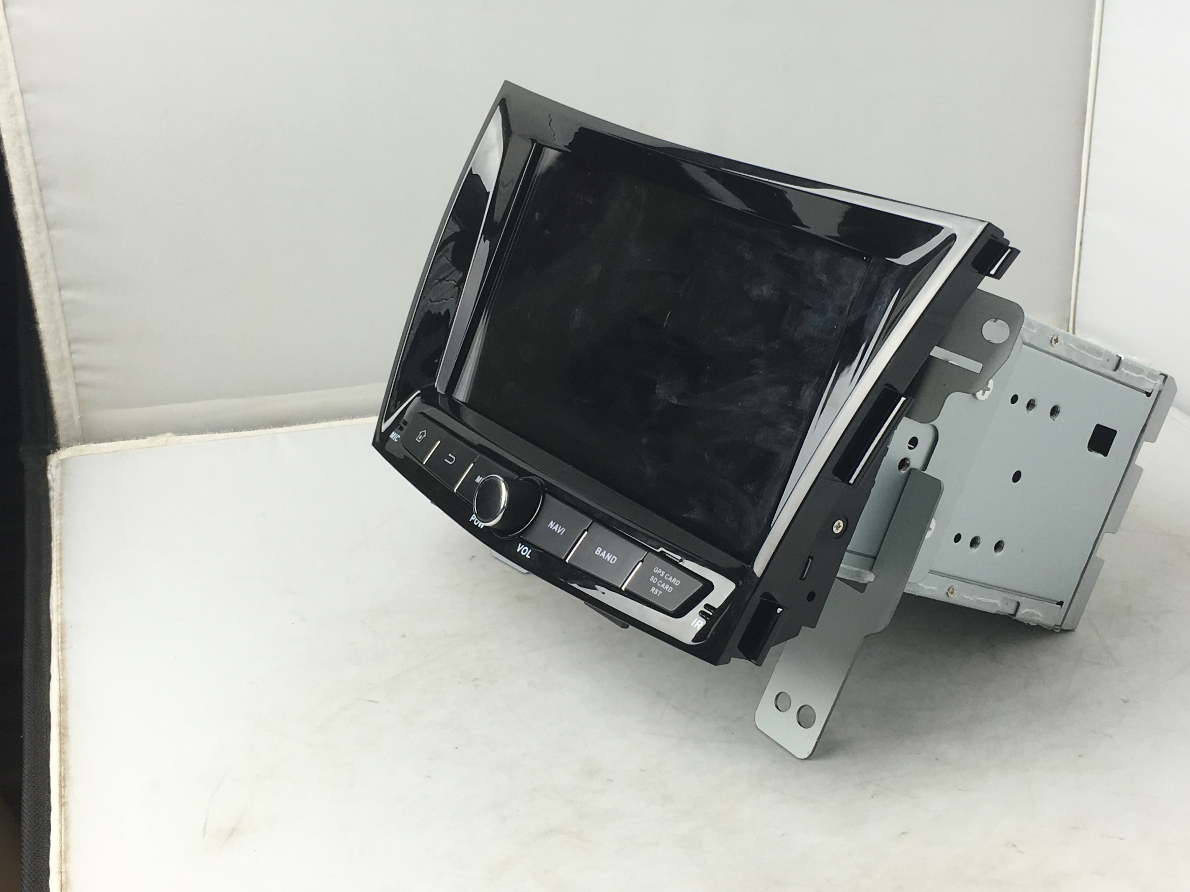 deckless car DVD for Ssangyong Tivolan 2014