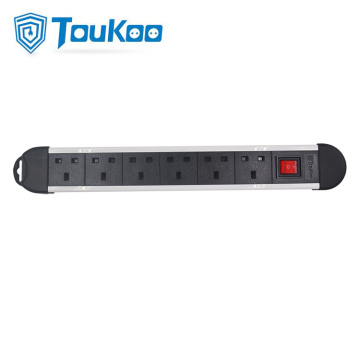 British 6 outlet fused power strip