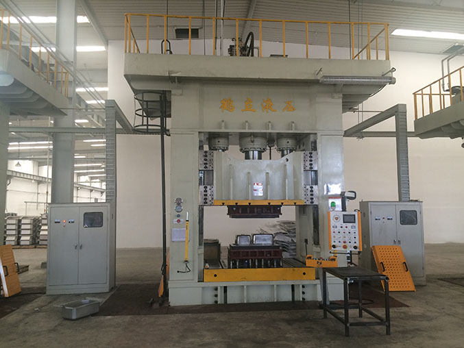 Hydraulic press machine for Extended Nozzle Stainless Steel Spray Pot