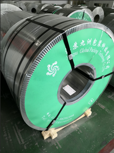 Tinplate coil with pallet