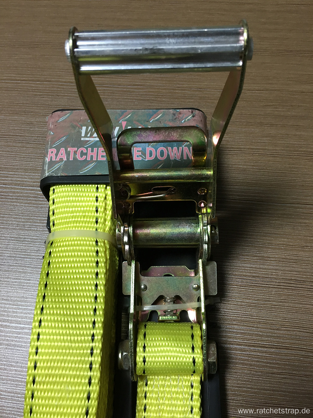 Packaged Aluminum Handle Ratchet Tie Down Yellow Lashing Strap with 3000KGS