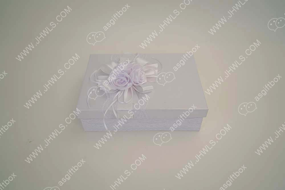 Pure white hat gift box