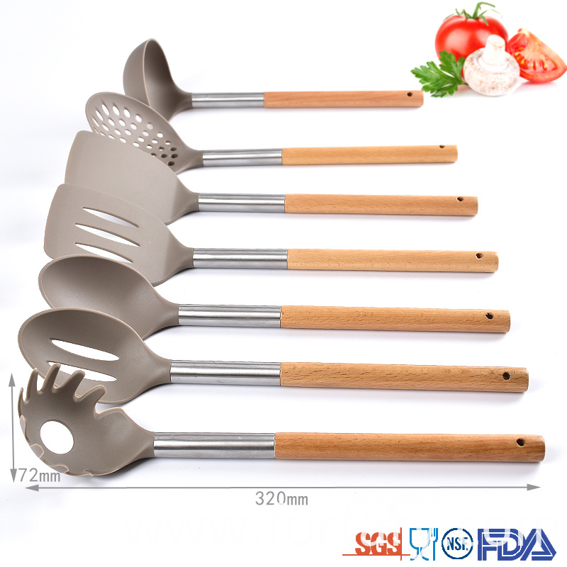 Kitchen Utensil Set with Natural Wood